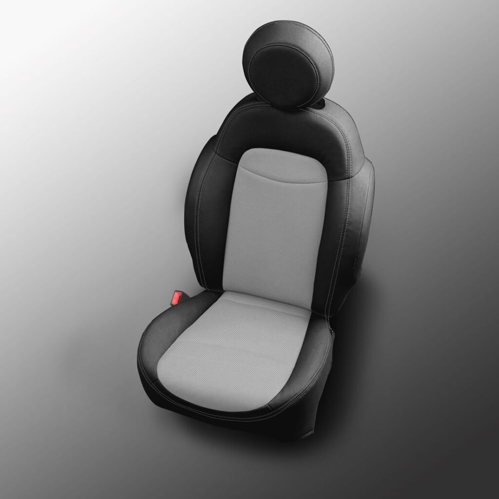 Black and White Fiat 500X Leather Seats